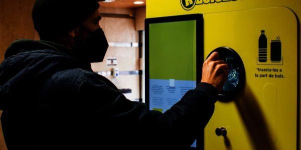 RECICLOS, el sistema que premia el gesto de reciclar con incentivos ambientales y sociales